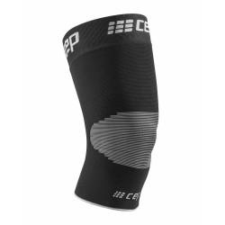 Genouillère de compression CEP Knee Sleeve vue de face. Couleur noir/gris