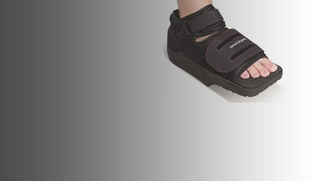 Chaussure thérapeutique pour réduire la pression sur l'avant-pied